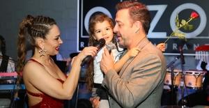 Murat Aygen, Sevgililer Gününü Eşi Ve Kızıyla Ouzo Roof'ta Kutladı...