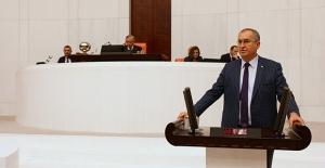 CHP'li Sertel'den Çağrı: Hasta Bakıcıya, Temizlikçiye De Ek Ödeme Verilsin