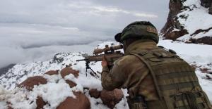 Irak'ın Kuzeyi Metina Bölgesine Hava Destekli Operasyon: 11 Terörist Etkisiz Hale Getirildi