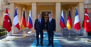 Milli Savunma Bakanı Akar, Rus Mevkidaşı Şoygu İle Telefonda Görüştü