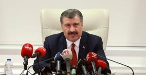 """Sağlık Bakanı Koca: """"2 Bin 69 Yeni Vaka Tespit Ettik,17 Hastamızı Kaybettik"""""""