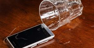 Sıvı Temas Eden Telefonunuzu Kurtarmak İçin Uygulamanız Gereken 4 Adım
