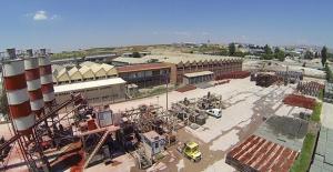 Yenimahalle Belediyesi Kendi Üretip Kendi Döşüyor