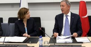 Bakan Akar, Fransa Savunma Bakanı Parly İle Telefonda Görüştü