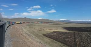 """Bakan Karaismailoğlu, """"940 Metrelik 82 Konteynerli Dev İhracat Treni Orta Asya'ya Doğru Yola Çıktı"""""""