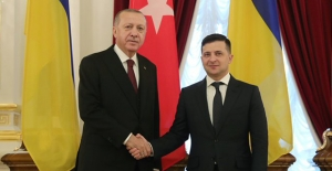Cumhurbaşkanı Erdoğan, Ukrayna Cumhurbaşkanı Zelenskiy İle Telefonda Görüştü