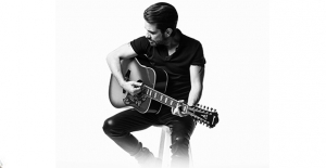 Kenan Doğulu Yeni Şarkısı 'Bizimdir' İle Birlik Ve Beraberlik Mesajı Veriyor