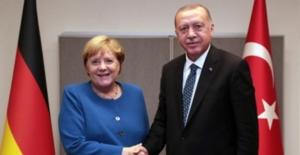 Cumhurbaşmanı Erdoğan Merkel İle Görüştü