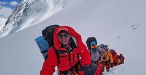 Everest'in Yüksekliğini Ölçen Ekip, Dönüş Yolunda Ölümden Döndü