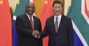 Xi, Yoksul Ülkelerin Borç Ödemelerinin Askıya Alınması Çağrısı Yaptı