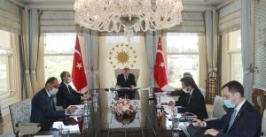 Cumhurbaşkanı Erdoğan, Rusya Devlet Başkanı Putin İle Telefonda Görüştü