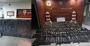 Hakkâri, Van Ve Iğdır Hudut Hattında Piyasa Değeri 534.240 TL Olan İlaç, 200 Adet Av Tüfeği Ve 7.131 Paket Sigara Ele Geçirildi