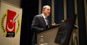 Milli Savunma Bakanı Akar Kayseri Gazeteciler Cemiyeti'nin Ödül Töreninde Konuştu