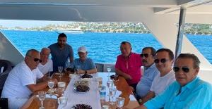 Ağaoğlu'ndan İki Günlük Kısa Tatil Ve İş Toplantısı