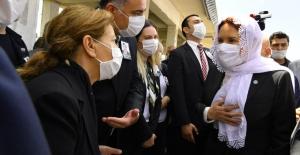 Akşener, Çankaya Belediyesi Eski Başkanı Doğan Taşdelen'in Cenaze Törenine Katıldı