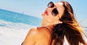 Alessandra Ambrosio,Tommy Hilfiger Tasarımlı Pozlarını Paylaştı