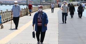 """Bakan Selçuk; """"Emeklilerimize 11 Milyar Lira Bayram İkramiyesi Ödedik"""""""