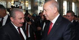 Cumhurbaşkanı Erdoğan'dan TBMM Başkanlığına Yeniden Seçilen Şentop'a Tebrik Telefonu
