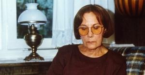 Edebiyatçı-Yazar Adalet Ağaoğlu Hayatını Kaybetti