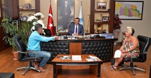 Hayvan Severler Çukurova'yı Türkiye'ye Örnek Gösterdi