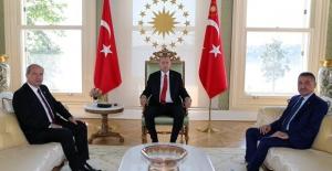Cumhurbaşkanı Erdoğan, KKTC Başbakanı Tatar'ı Vahdettin Köşkü'nde Kabul Etti