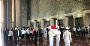 Kılıçdaroğlu, Parti Meclisi Ve Yüksek Disiplin Kurulu Üyeleri İle Anıtkabir'i Ziyaret Etti
