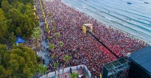 Kuşadası Gençlik Festivali Pandemi Engeline Takıldı