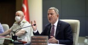 Millî Savunma Bakanı Akar, Terfi Eden Ve Atama Gören General Ve Amirallerle Bir Araya Geldi