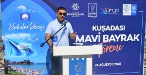 """Turizmin Başkenti Kuşadası'nda 26 """"Mavi Bayrak"""" Dalgalanıyor"""