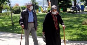 """Bakan Selçuk: """"YADES Kapsamında 62 Bin 400 Yaşlımıza Destek Verdik"""""""