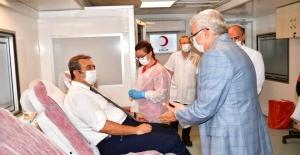 Başkan Soner Çetin Kan Bağışında Bulundu