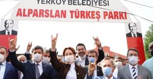 """Akşener; """"O Masada Türkiye'nin Mutlaka Olması Gerekiyor"""""""