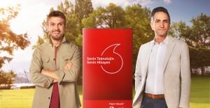 Aras Bulut İynemli, Vodafone'un Yeni Reklam Yüzü Oldu