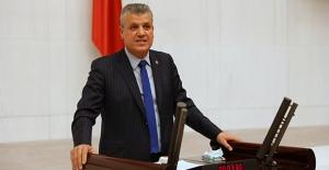 """CHP'li Barut: """"Sürekli 'Yerliyiz' Diyerek Yurttaşlarımızı Kandırdıklarını Sanıyorlar"""""""