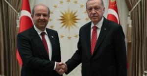 Cumhurbaşkanı Erdoğan'dan KKTC Cumhurbaşkanı Seçilen Tatar'a Kutlama Mesajı