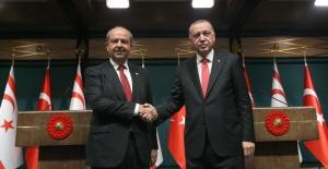 Cumhurbaşkanı Erdoğan, KKTC Cumhurbaşkanı Seçilen Ersin Tatar İle Telefonda Görüştü