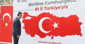 Cumhuriyet Bayrağı Bursa'da Tamamlandı