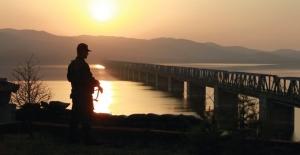 Edirne Hudut Hattından Yunanistan'a Geçmeye Çalışan, Terör Örgütleriyle Bağlantılı 12 Şahıs Yakalandı