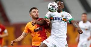 Galatasaray, Aytemiz Alanyaspor'a Mağlup Oldu