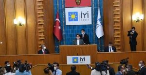 İYİ Parti Grup Başkanı Ve Grup Başkanvekillerini Seçti