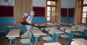 Kuşadası'nda Okullar İlk Ders Zili Öncesi Dezenfekte Edildi