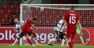 Türkiye Özel Maçta Almanya'yı Yıkamasa Da Salladı