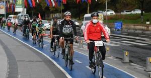 Üsküdar'da Bisikletlilerin Cumhuriyet Bayramı Turu