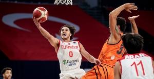 A Erkek Milli Takımımız Hollanda'yı 73-71 Mağlup Etti