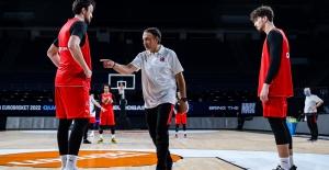 """A Milli Basketbol Takımı Antrenörü Ene: """"İki Maçımız Da Çok Kritik"""""""