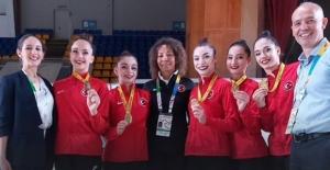 Akşener'den Avrupa Şampiyonu Ritmik Cimnastik Grup Milli Takımına Tebrik Mesajı