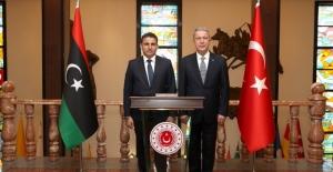 Bakan Akar, Libya Mevkidaşı Namroush İle Bir Araya Geldi