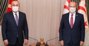 Bakan Çavuşoğlu KKTC Cumhurbaşkanı Ersin Tatar İle Görüştü