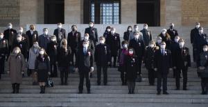 Bakan Selçuk 81 İlden Öğretmenlerle Birlikte Anıtkabir'i Ziyaret Etti