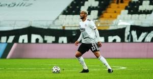 Beşiktaş'ta Yıldız Oyuncu Sakatlandı